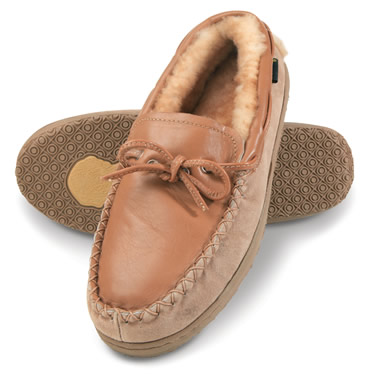 The moccasins have a waterproof thermoplastic rubber sole, keeping feet soft and comfortable both in winter and summer.