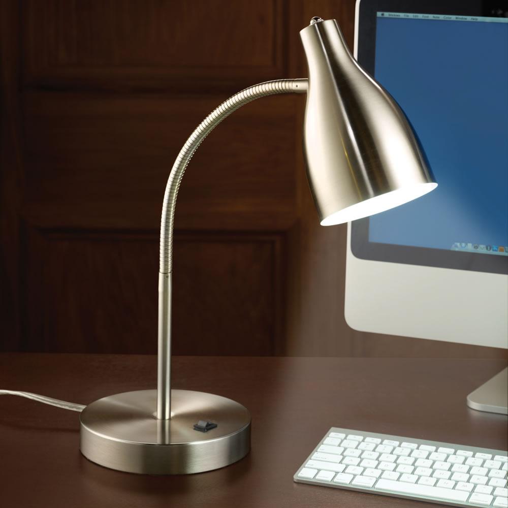 The Eyestrain Reducing Computer Lamp - Hammacher Schlemmer