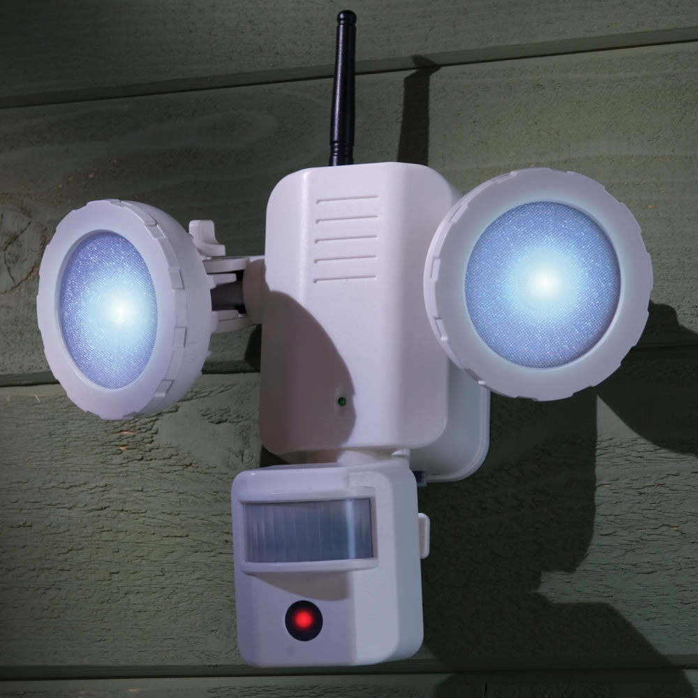 the solar powered video security light