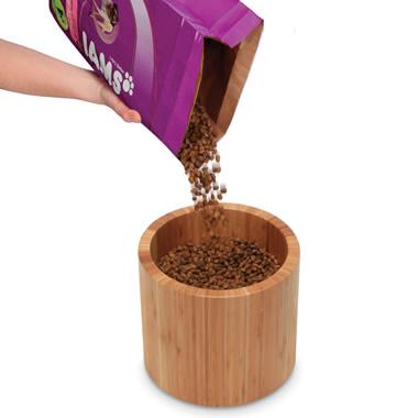 Single-bowl feeder.