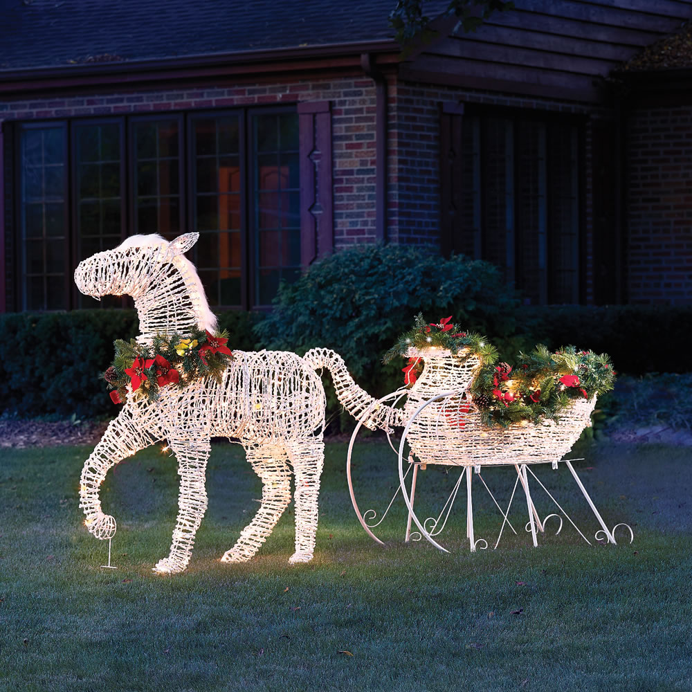 The lighted holiday horse drawn sleigh hammacher schlemmer for Holiday lawn decorations