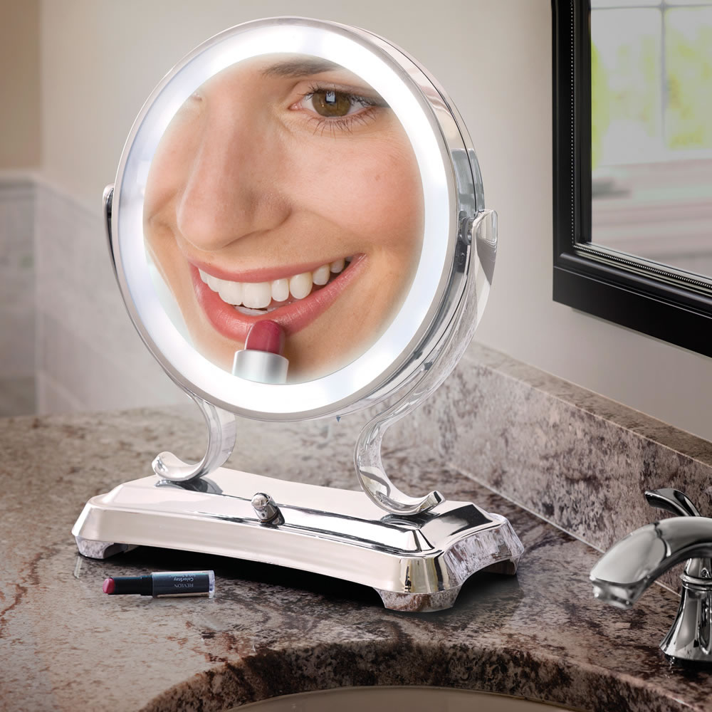The Largest View Lighted Vanity Mirror Hammacher Schlemmer