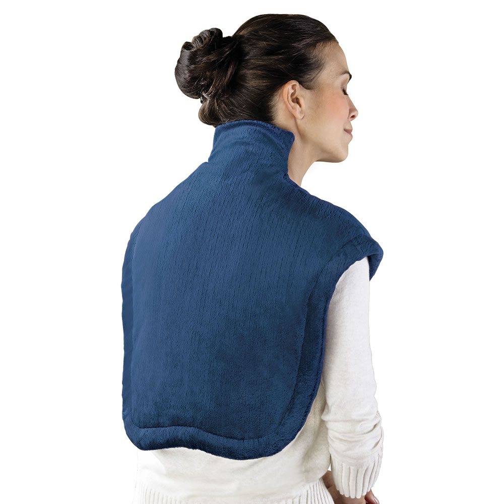 the neck and shoulder heat wrap - hammacher schlemmer