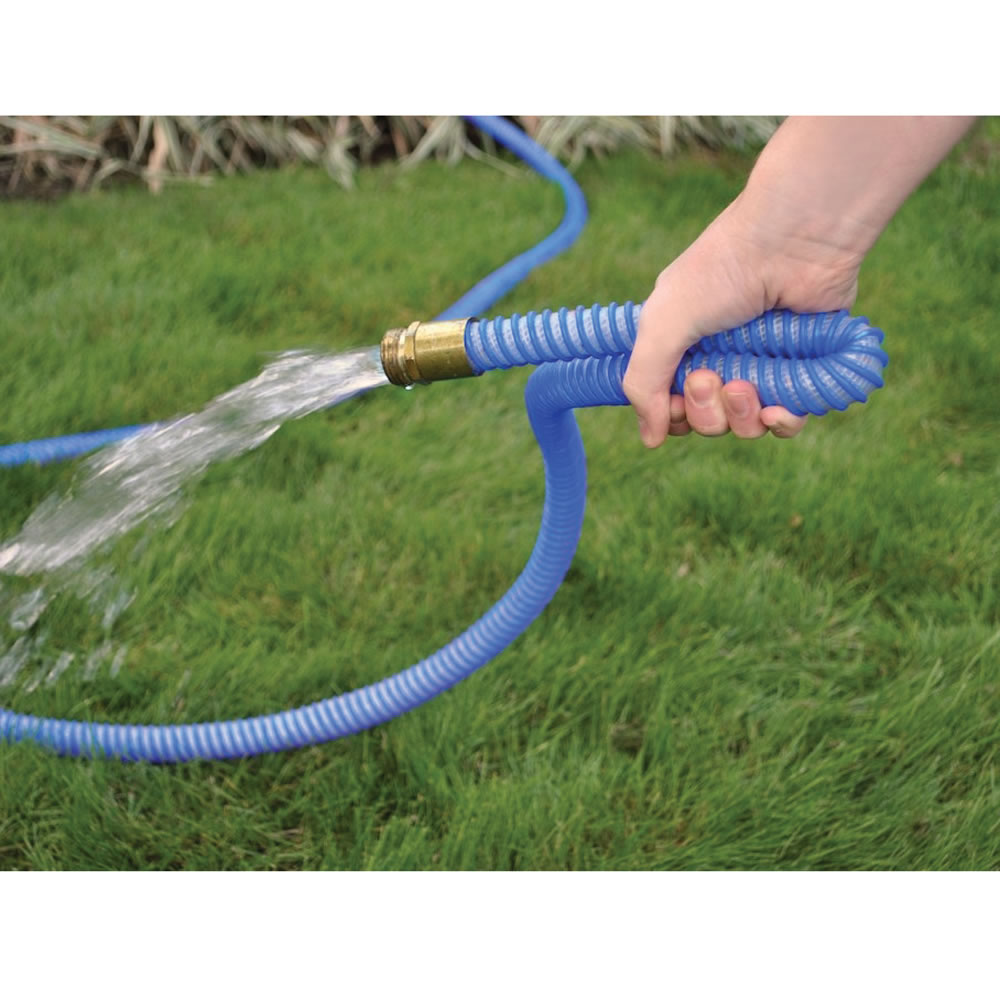 the only unkinkable garden hose hammacher schlemmer
