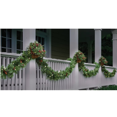 The Cordless Prelit 7' Garland.