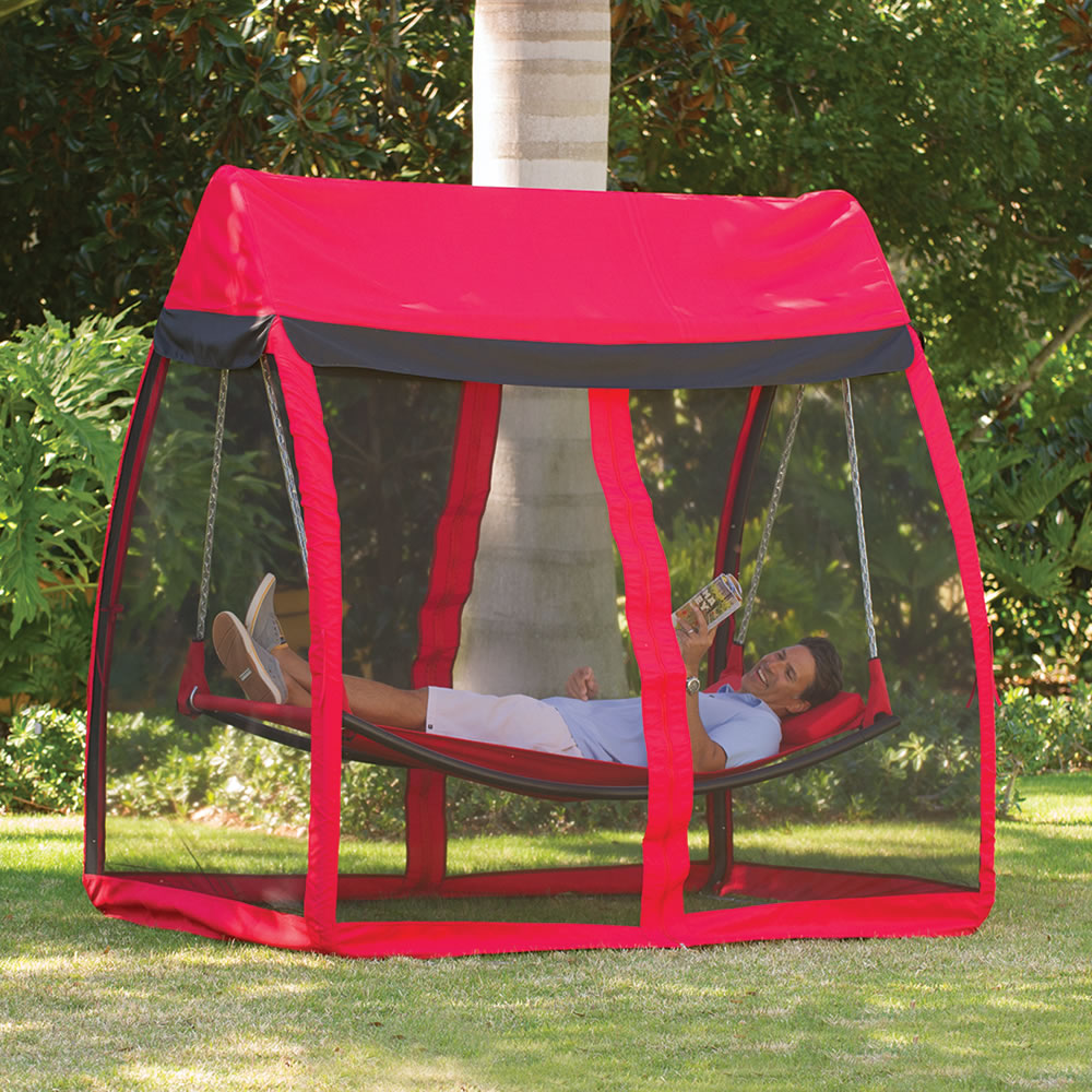 the mosquito thwarting hammock the mosquito thwarting hammock   hammacher schlemmer  rh   hammacher