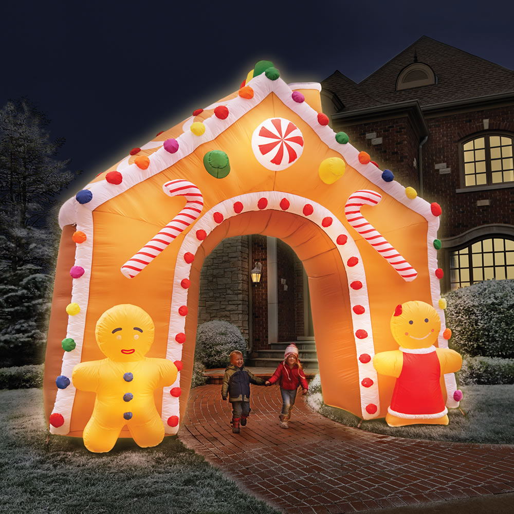 The 15 Foot Illuminated Gingerbread House.