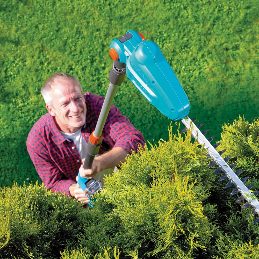 Uncategorized Hedge Trim the cordless 2100 strokes per minute hedge trimmer hammacher trimmer