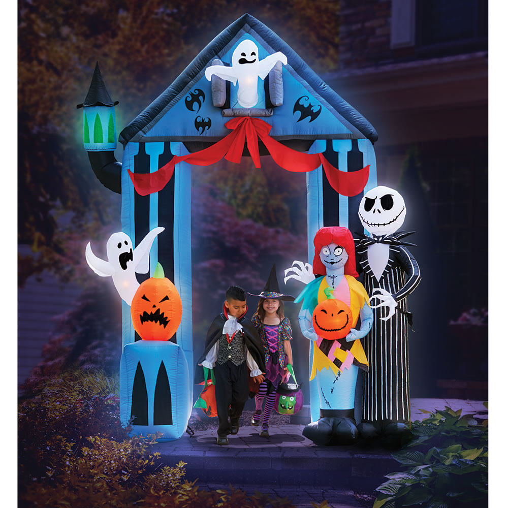 The 9 inflatable nightmare before christmas portal hammacher the 9 inflatable nightmare before christmas portal voltagebd Image collections