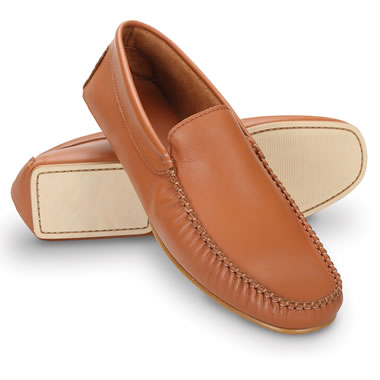The Gentleman's Packable Iberian Leather Moccasins