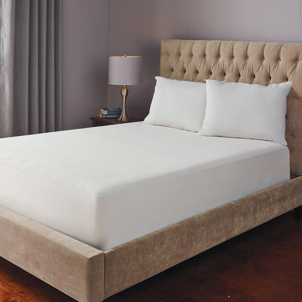 The Sleep Enhancing Mattress Protector - Hammacher Schlemmer
