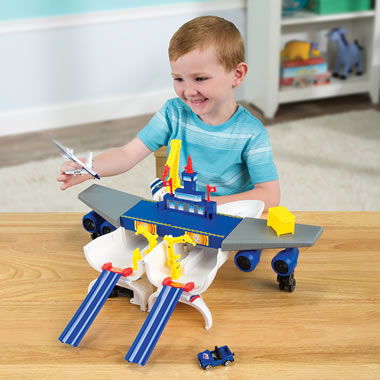 Boeing 747 Transforming Airport Play Set