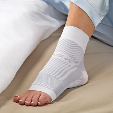 The Nighttime Plantar Fasciitis Foot Sleeve