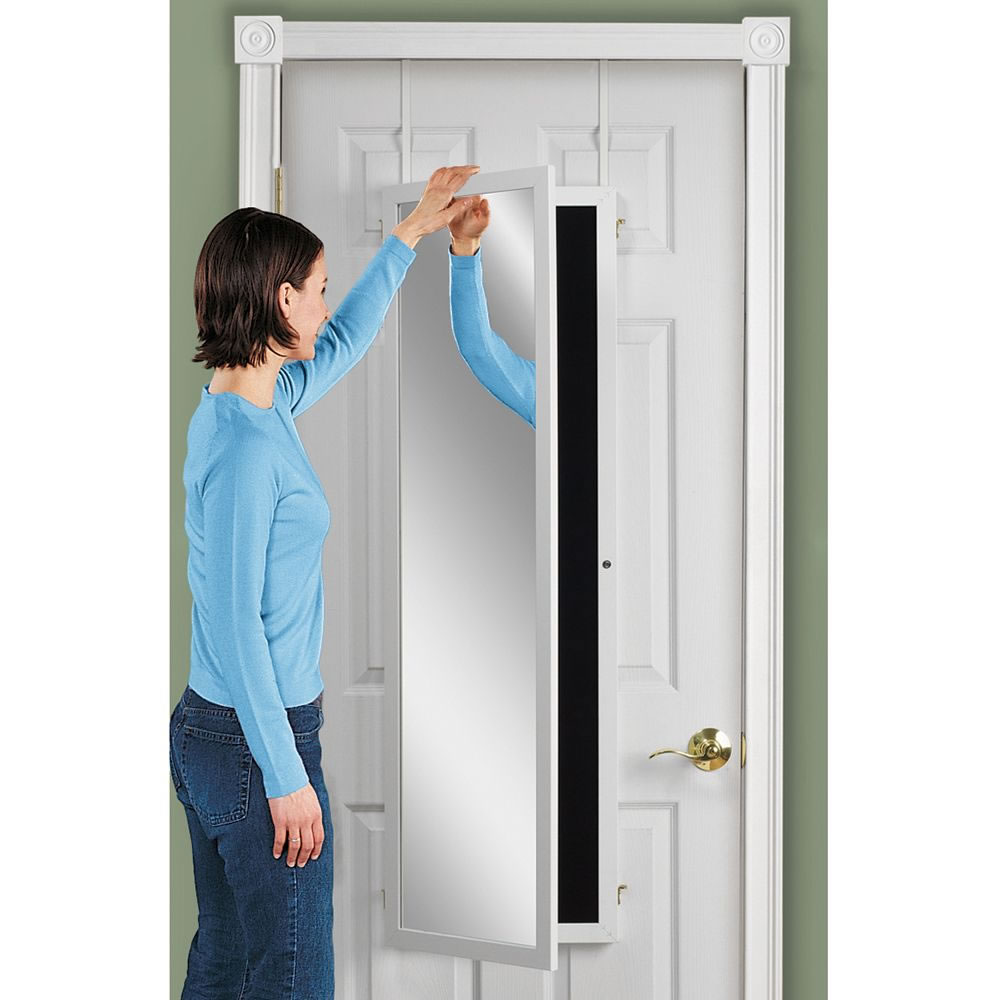 The Over The Door Trifold Dressing Mirror   Woman Closing White