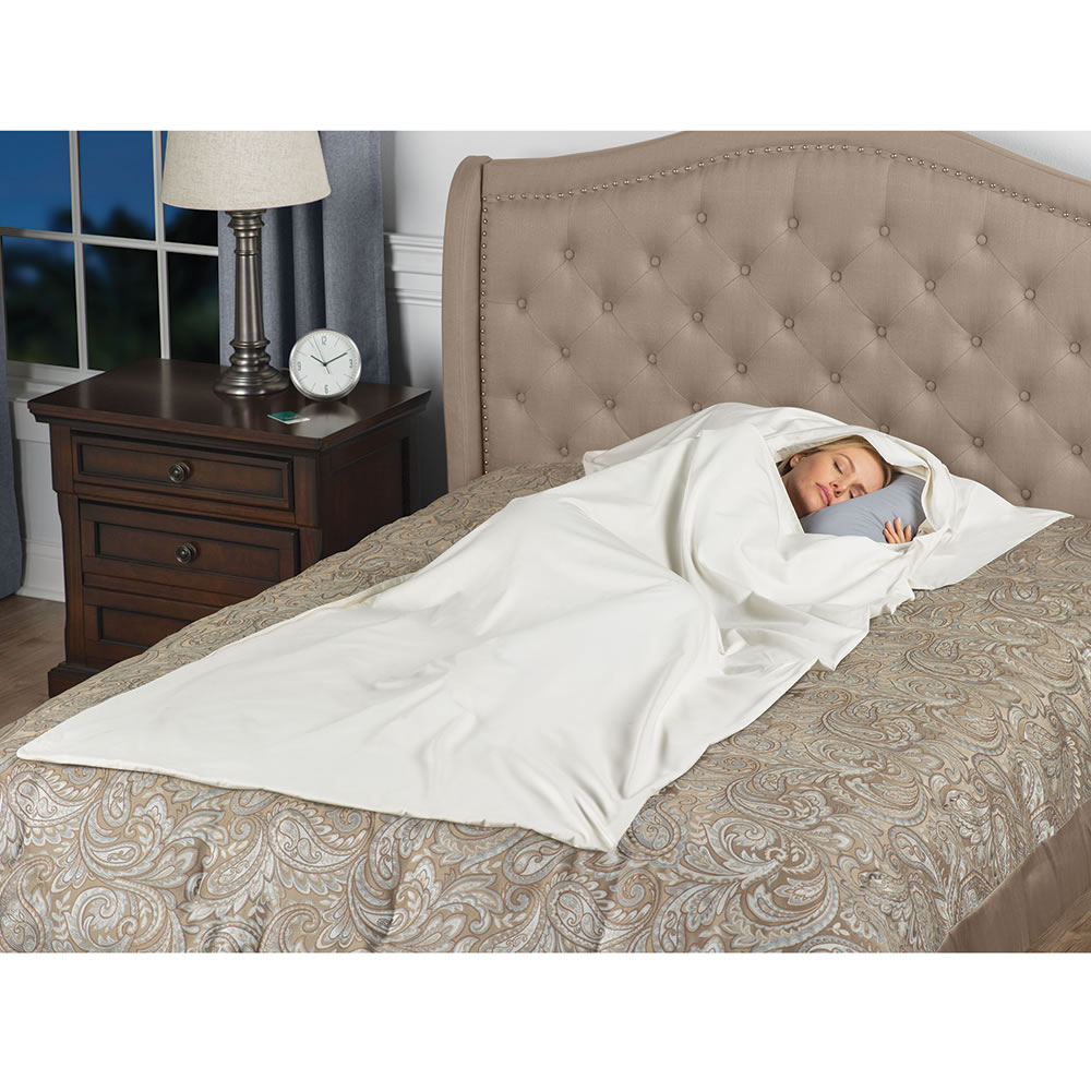 cocoon thwarting traveler the bug hammacher product bed s travelers schlemmer sleeping