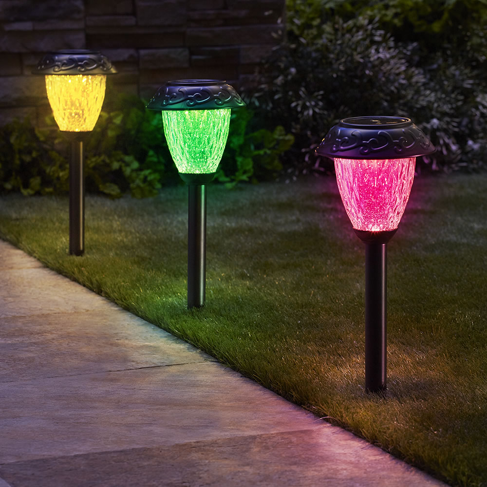 The Customizable Color Solar Garden Lights   Single Red, Green, And Yellow