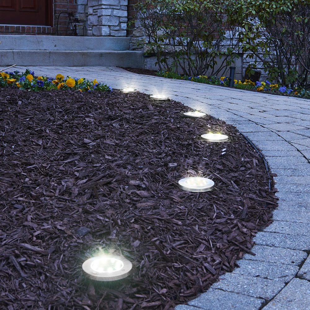 The Solar Led Landscape Lights Hammacher Schlemmer
