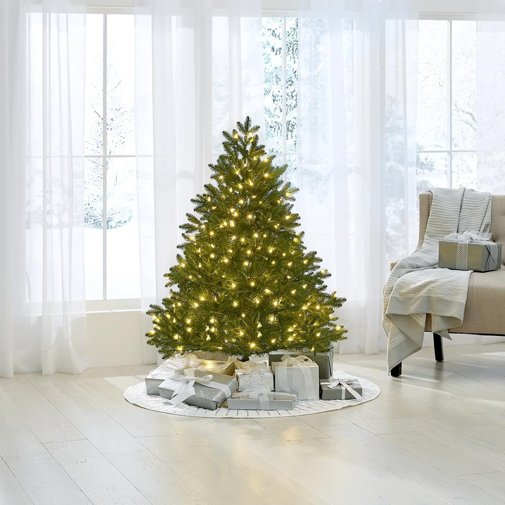 How Many Lights Per Foot Of Christmas Tree.The World S Best Prelit Noble Fir Led Lights Hammacher
