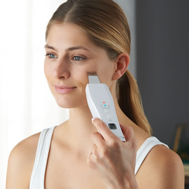 The Ultrasonic Misting Exfoliator