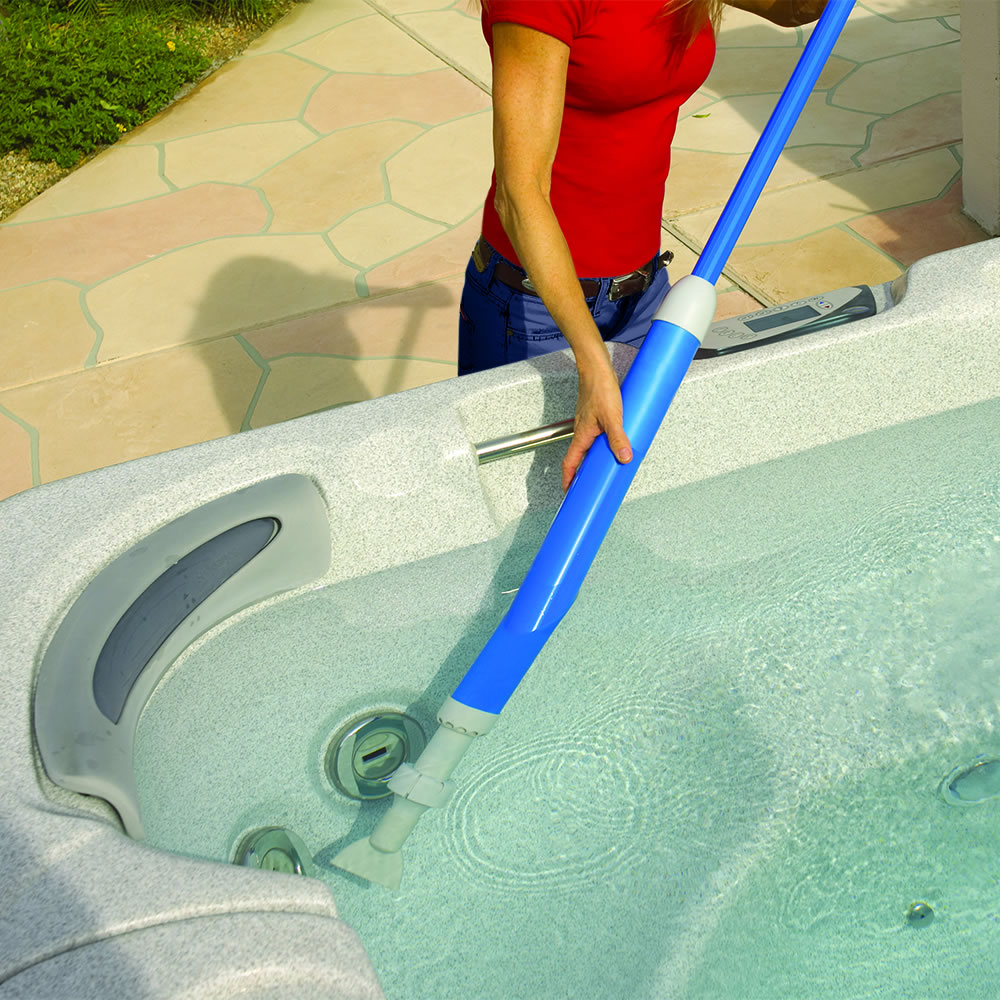dd9bbf71693 The Long Reach Pool And Spa Vacuum - Hammacher Schlemmer