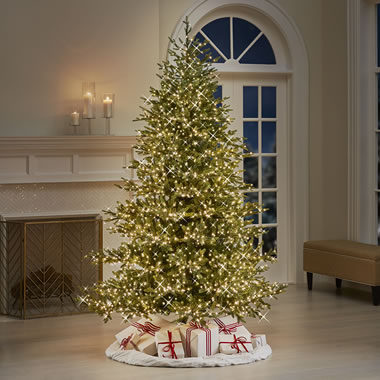 The 7 1/2' Select Your Ambiance 2,500 Light Tree