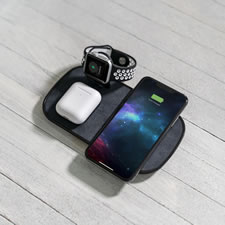 The Wireless Apple Devices Charger